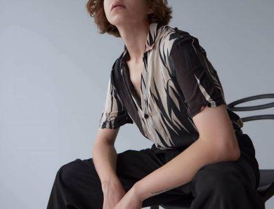 Lignes blanches sur un pantalon : comment s'en débarrasser ?